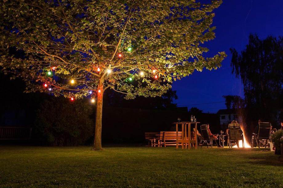 richtig-fotografiert.de - Langzeitbelichtung - Lagerfeuer im Garten