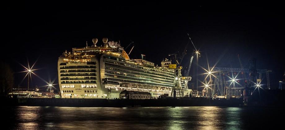 richtig-fotografiert.de - Langzeitbelichtung - Schiff im Hamburger Hafen