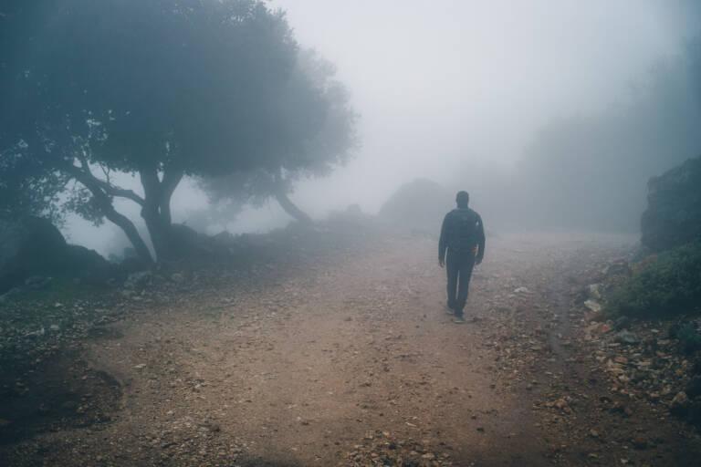 Nebelwanderung in den Bergen auf der griechischen Insel Kefalonia